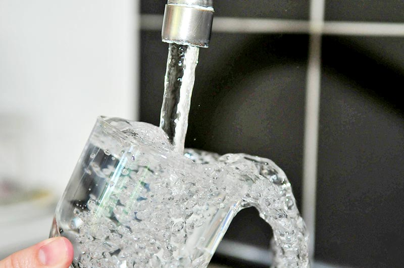 Adoucisseur d'eau intégré au CO2
